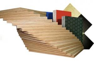 Različne vezane plošče v lesnem programu