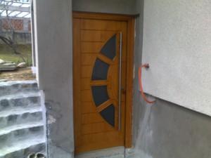Vhodna vrata pri adaptaciji hiše
